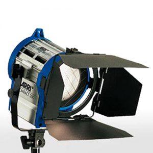 hmi-fresnel-200w-compact_500x500px